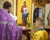 Освящение-икон-Пресвятой-Богородицы-и-Спасителя-(фото-10)
