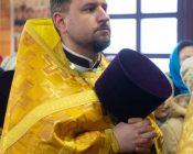 Патриарший Экзарх совершил Литургию в храме в честь святителя Николая Японского города Минска (фото 14)