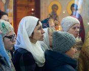 Патриарший Экзарх совершил Литургию в храме в честь святителя Николая Японского города Минска (фото 16)