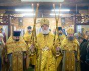 Патриарший Экзарх совершил Литургию в храме в честь святителя Николая Японского города Минска (фото 17)