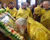 Патриарший Экзарх совершил Литургию в храме в честь святителя Николая Японского города Минска (фото 33)