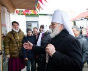 Патриарший Экзарх совершил Литургию в храме в честь святителя Николая Японского города Минска (фото 44)
