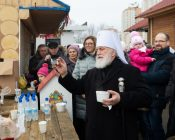 Патриарший Экзарх совершил Литургию в храме в честь святителя Николая Японского города Минска (фото 46)