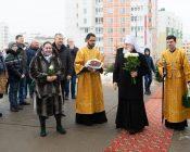 Патриарший Экзарх совершил Литургию в храме в честь святителя Николая Японского города Минска (фото 7)