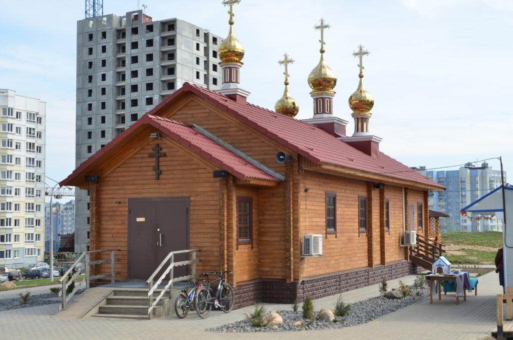 Это первый в столице православный приход, что инициировал создание экотропы