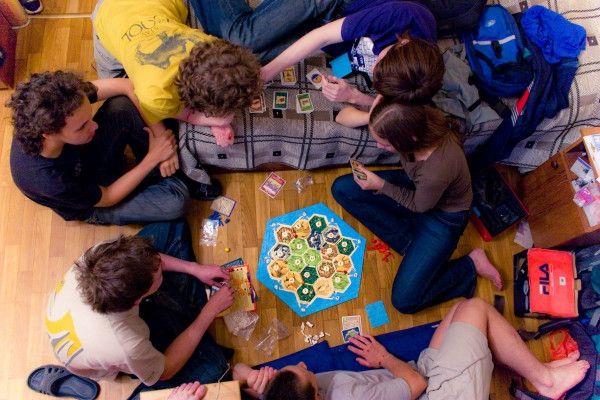 «Живая игра с человеком - прекрасный вариант досуга!». Беседа о настольных играх с главным миссионером БПЦ