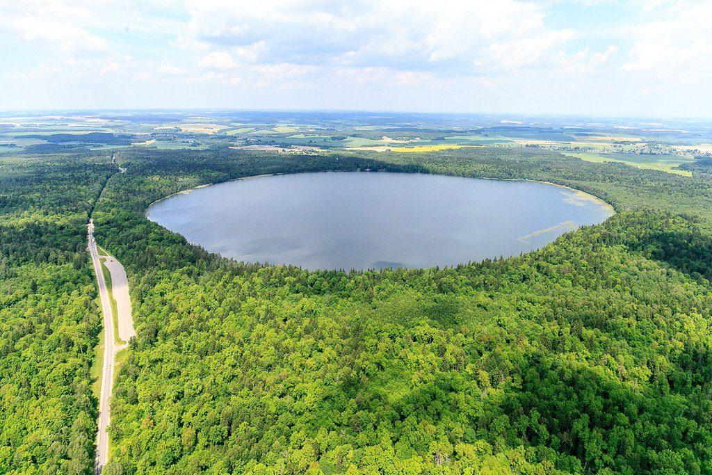 озеро Свитязь (Гродненская обл., Новогрудский р-н) - самое красивое лесное озеро Беларуси
