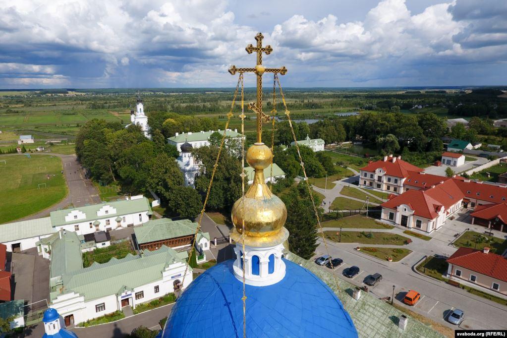 Праваслаўныя крыжы над Жыровічамі