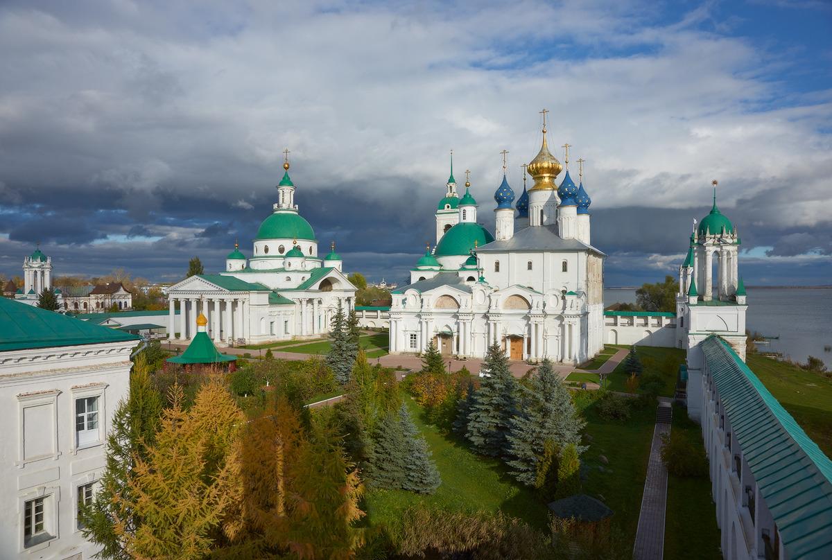 Спасо-Яковлевский мужской монастырь(1386г), мощи свят.Дмитрия Ростовского