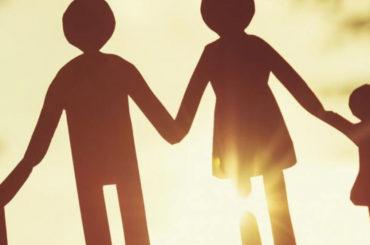 Курсы семьеведения в вузах, консультации и телепередачи - эксперт о мерах поддержки молодых семей